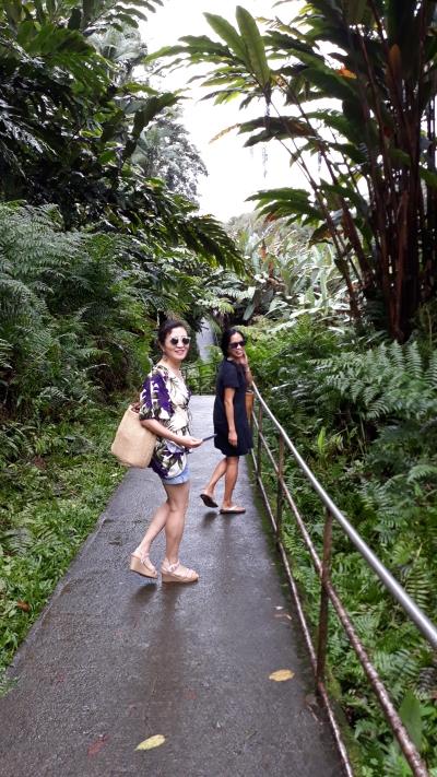 sisters-Hawaii.jpg